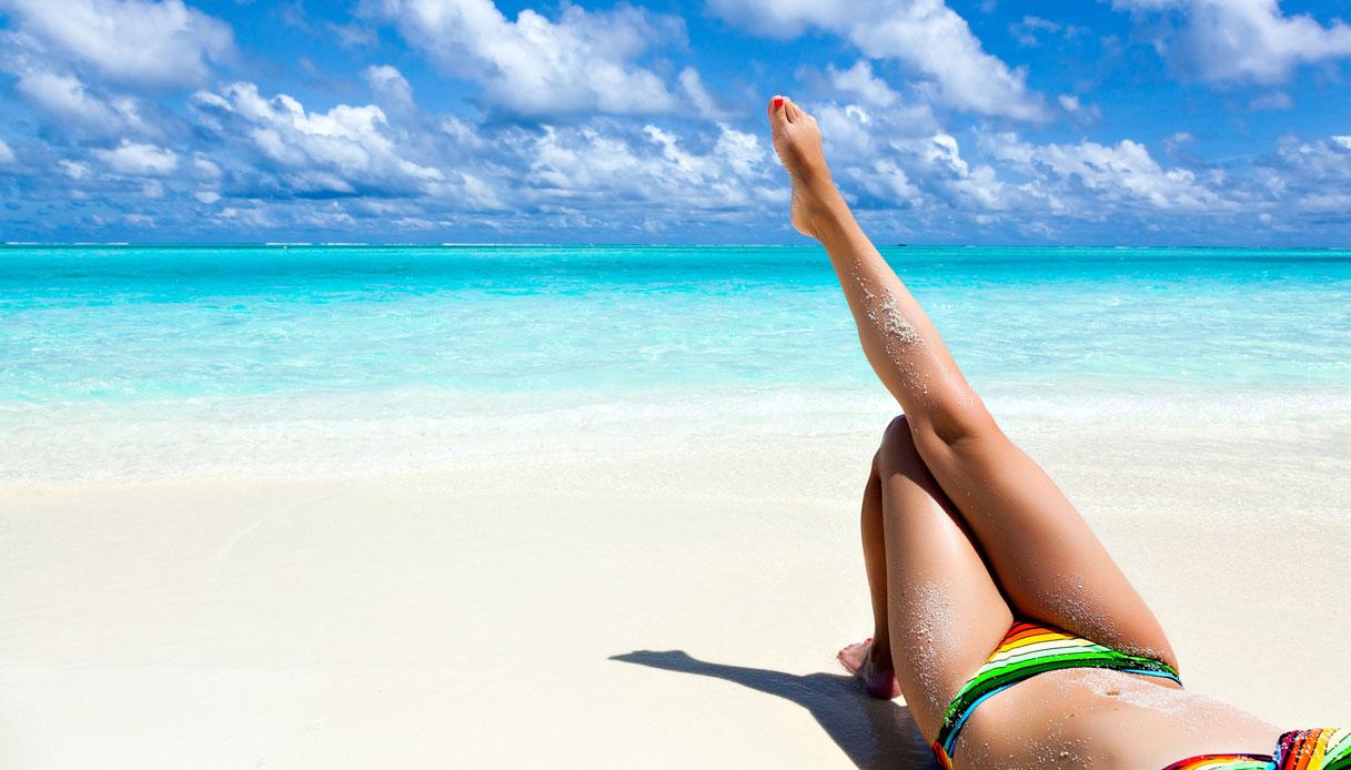 Prendere il sole fa bene: ecco tutti i benefici