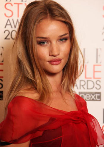 A tutta gnocca! (Parte seconda) - Pagina 11 Rosie-huntington-whiteley-elle-style-award-2