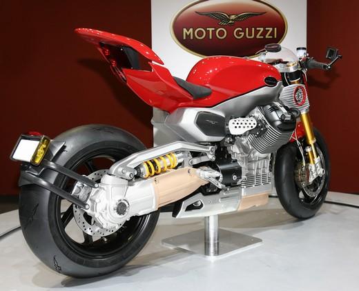 Concept V12!!!!!!!! Motoguzziconceptv12-11946-004-f