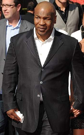 [IMG]http://images.virgilio.it/sg/musica2008/upload/mik/0001/mike-tyson.jpg[/IMG]
