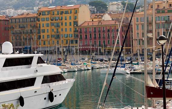 مملكة الريفييراالتي يعتز بها الايطاليون porto-nizza.jpg