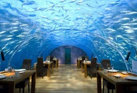 Alle Maldive il primo ristorante sottomarino